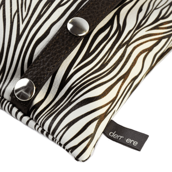 back-belt-bag-leather strings-black-white-animalier