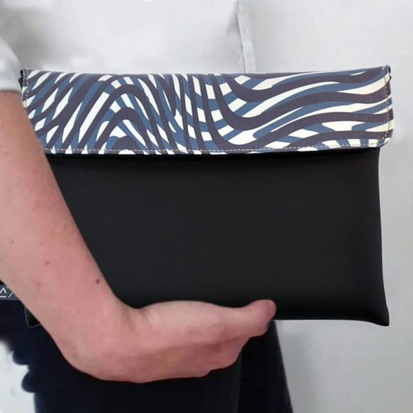 outfit-ideas-clutch-bag-ipad-case-9.7-neoprene-graphic-water-curves