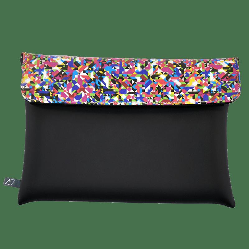 clutch-bag-ipad-case-9.7-neoprene-graphic-pixel-tv-front
