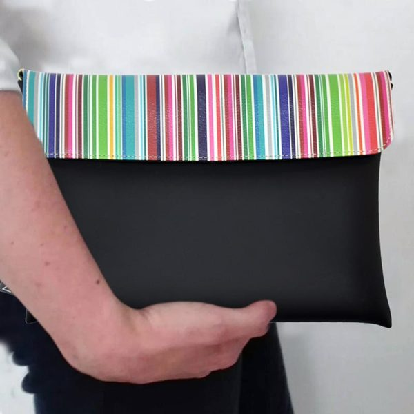 outfit-ideas-clutch-bag-ipad-case-9.7-neoprene-graphic-colorful-stripes