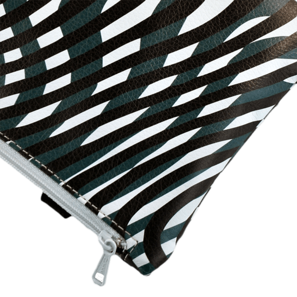 zipped-closure-belt-bag-hermes-stripes-front-detail
